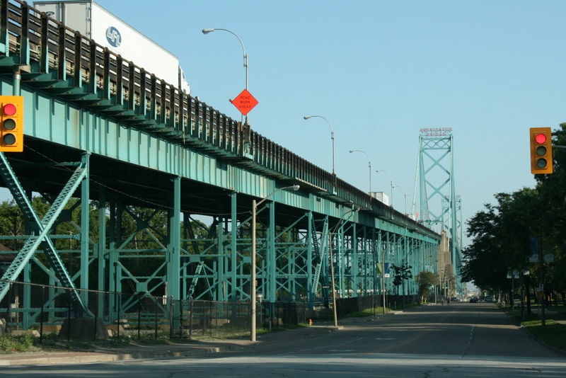 ambassador-bridge_2011-07-24_08-17-12.jpg